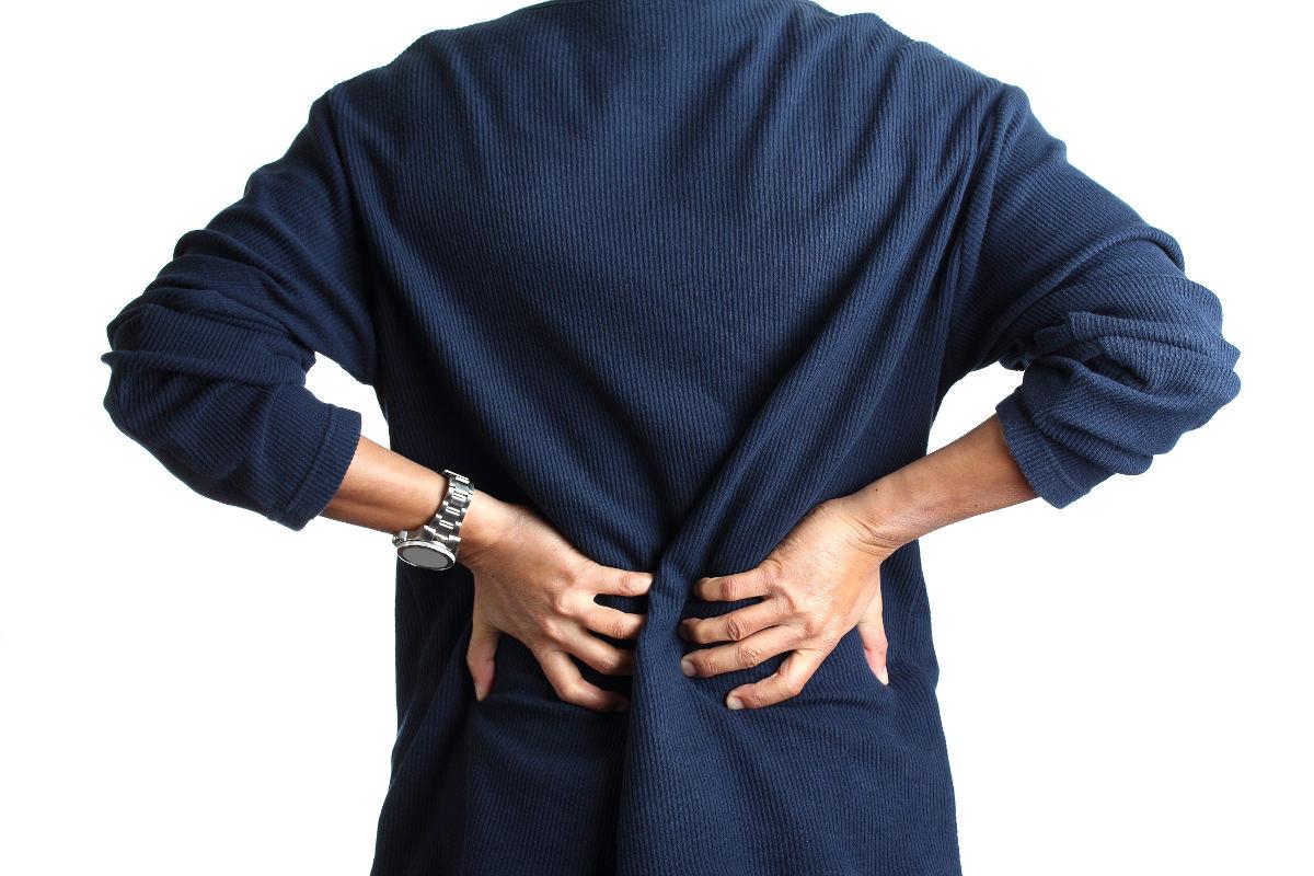 Co robić, gdy boli kręgosłup – domowe sposoby na złagodzenie bólu