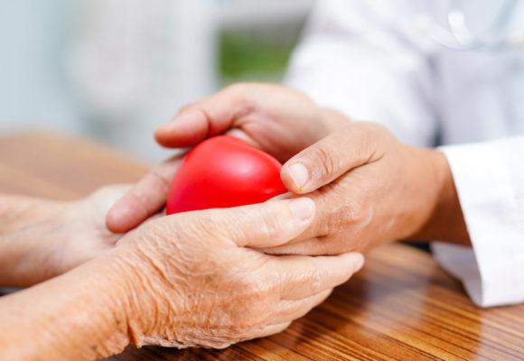 Skończyłeś 60 lat? Odwiedzaj kardiologa regularnie