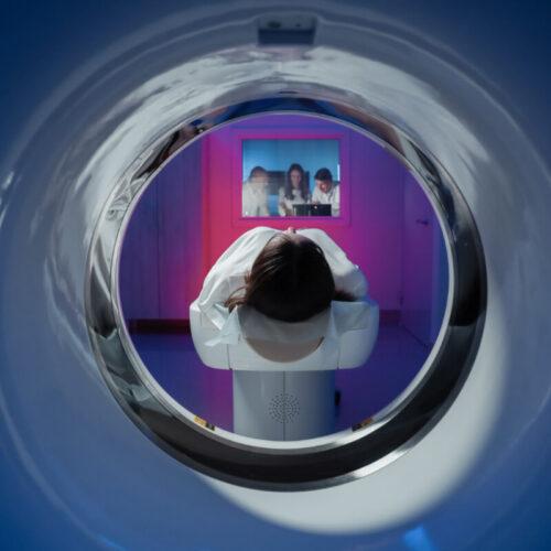 Które z badań radiologicznych jest najmniej szkodliwe?