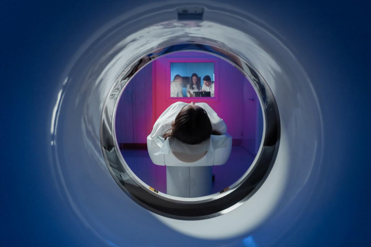 Tomografia komputerowa. Badania radiologiczne - które z nich jest najmniej szkodliwe