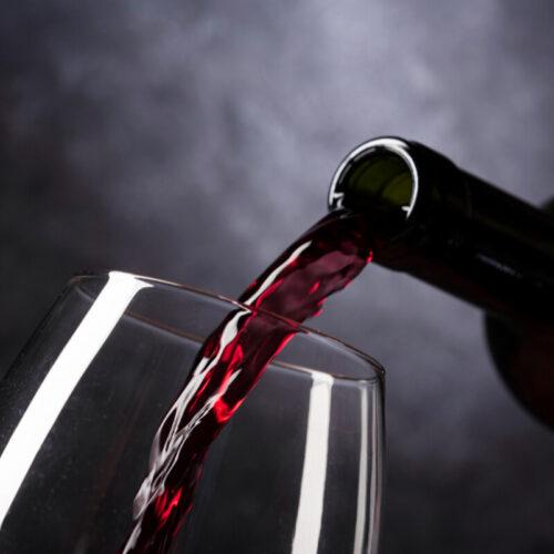 Czy lampka wina dziennie to alkoholizm?