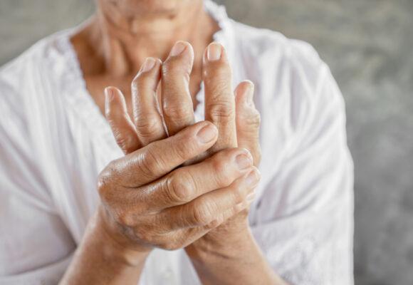 Łuszczycowe zapalenie stawów – co o nim wiemy?